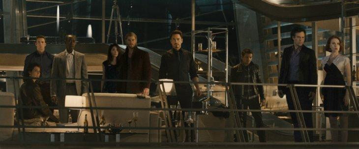 Avengers i przyjaciele, wyjątkowo w cywilu (fot. Disney)