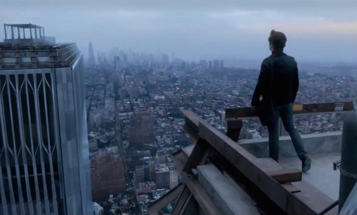 Joseph Gordon-Levitt jako Philippe Petit