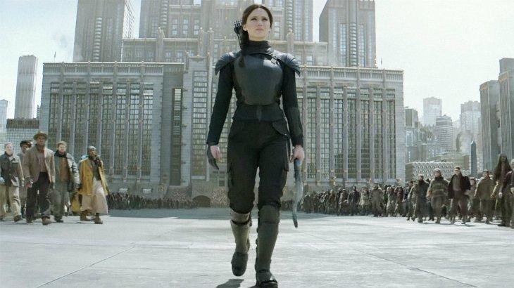 Jennifer Lawrence jako Katniss Everdeen. Fot. Forum film